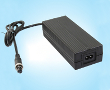 14.6V7A磷酸鐵鋰充電器、FY1507000