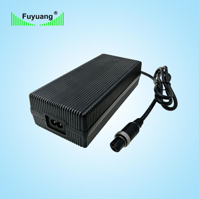 29.2V5A磷酸鐵鋰充電器、FY2905000